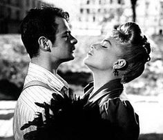 Casque d'Or Serge reggiani et Simone Signoret Serge Reggiani, French Classic, Robert Redford, Famous Singers, Women Names, French Films, France, Streaming Movies, Vintage Photographs