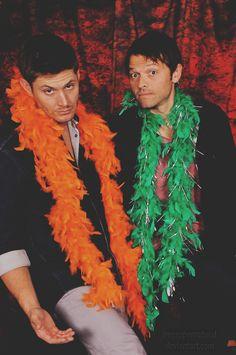 Supernatural #cast #photoops #cons: Jensen Ackles and Misha Collins
