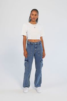 Best Cargo Pants, Denim Cargo Pants, Cargo Pants Women, Denim Jeans, Mom Jeans, Pants For Women, Fashion Terms, Types Of Fashion Styles, High Waisted Baggy Jeans