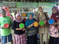 Cerita Pak Karsim dalam membuat paving block dari sampah plastik dari Purbalingga - Jawa tengah .
