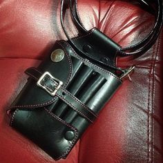 コンチョ レザー シザーケース★ 裏地とスティッチはレッドで製作しました! #ESCARGOT#leather #leathercraft #leathergoods #handmade #madeinjapan #ordermade #レザークラフト #レザー#革細工#革製品 #革#ハンドメイド#手作り#アクセサリー#オーダーメイド#シザーケース#美容師#美容室#ヘアーサロン#1点物 #コンチョ#長野#諏訪#古着屋
