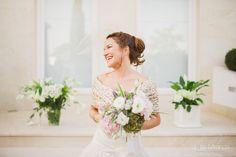 María. Wedding Dresses, Fashion, Bridal Gowns, Bridal Dresses, Moda, Wedding Dressses, Weeding Dresses, Wedding Dress, Fasion