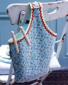 Because even pegs need a home.. Previous pinner said of this DIY 'Bucket bag peg bag - use pillow case bag pattern'
