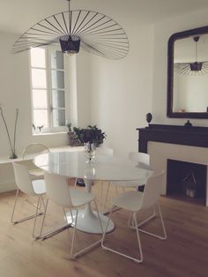 Dinning room - bloogminville chair - lotus chair - tulip table