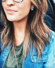 crystal studs are the perfect way to glam up a casual outfit. via @laurenkaysims