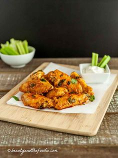 Saucy Baked Buffalo Chicken Wings are a simple, low carb, grain free, paleo recipe. Oh man, these were good! a little spicy and saucy! Atkins Recipes, Paleo Recipes, Real Food Recipes, Cooking Recipes, Gluten Free Appetizers, Appetizer Recipes, Buffalo Chicken, Sin Gluten, Quinoa