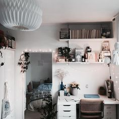 giulia_watson Home Decor Inspiration Wohnkultur, Wohninspiration, Möbel, L - Marry's Beauty secrets Cute Room Decor, Teen Room Decor, Decoration Inspiration, Room Inspiration, My New Room, My Room, Home Bedroom, Bedroom Decor, Bedrooms