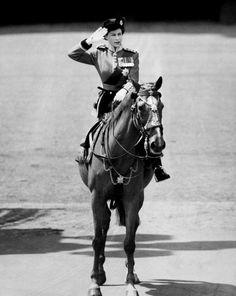 Queen Elizabeth II:1952