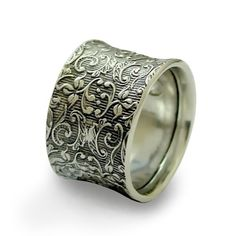 Hey, I found this really awesome Etsy listing at https://www.etsy.com/il-en/listing/239093187/silver-wedding-ring-gypsy-ring-filigree