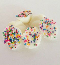 Birthday Cake Melts Scented Wax Melts Cupcake by MySweetHeat Scented Wax Melts, Soy Wax Melts, Handmade Candles, Handmade Crafts, Soy Candles, Scented Candles, Lip Shapes, Wax Tarts, Sprinkles