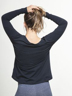 Perfect Crew Neck by ALTERNATIVE - TOPS & LONG SLEEVE