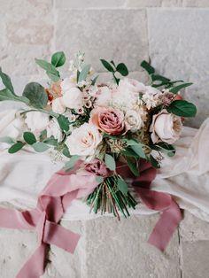 Planning A Fantastic Flower Wedding Bouquet – Bridezilla Flowers Mauve Wedding, Fall Wedding Bouquets, Bride Bouquets, Floral Wedding, Wedding Dress, Trendy Wedding, Wedding Themes, Wedding Decorations, Wedding Styles