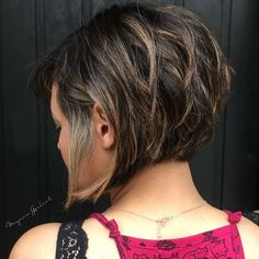 60 Classy Short Haircuts and Hairstyles for Thick Hair - - Inverted Brunette Bob with Feathered Highlights Short Hairstyles For Thick Hair, Layered Bob Hairstyles, Haircut For Thick Hair, Short Bob Haircuts, Short Hair Cuts, Curly Hair Styles, Quick Hairstyles, Formal Hairstyles, Hairstyles Haircuts