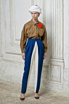 Vika Gazinskaya Spring 2015 Ready-to-Wear Fashion Show Couture Fashion, Runway Fashion, Fashion Show, Ss15 Fashion, Art Conceptual, Sunday Clothes, Art Deco Fashion, Fashion Design, Spring Summer 2015