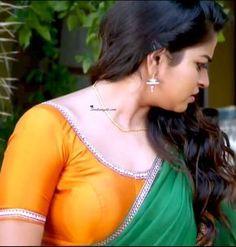 Serial Actress Nithya Ram Hd Image And Photos Bollywood Actress Hot Photos, Indian Actress Hot Pics, Beautiful Bollywood Actress, Beautiful Actresses, Indian Actresses, Indian Natural Beauty, Indian Beauty Saree, Beautiful Girl Indian, Most Beautiful Indian Actress