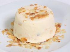 Kulfi recept - indiai fagylalt : Otthon elkészítve is könnyű, lágy jégkrém. Magas zsírtartalma miatt nem lesz jégkristályos. Ízét tekintve egészen különleges, talán a joghurtfagylalthoz áll legközelebb, de a kardamom ad neki egy plusz háttérízt. Igazi élmény! http://aprosef.hu/kulfi_kardamommal