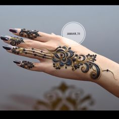 Searching for stylish mehndi designs for the party that look gorgeous? Stylish Mehndi Design is the best mehndi design for any func. Modern Henna Designs, Floral Henna Designs, Finger Henna Designs, Arabic Henna Designs, Stylish Mehndi Designs, Mehndi Designs 2018, Henna Designs Easy, Beautiful Henna Designs, Henna Tattoo Designs