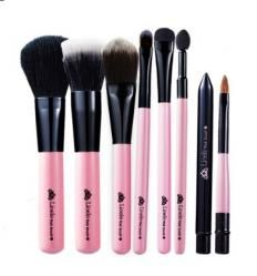 Lioele 7 Piece Brush Set <--good set of brushes to start off my makeup collection