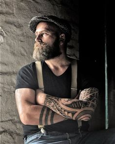 These are the most effective beard styles for men who are looking for some motivation on the best ways to form their facial hair. Looking for a stylish beard to obtain a distinct appearance? Right here are 200 best beard styles for men in 2018 to ass. Trending Beard Styles, Beard Styles For Men, Hair And Beard Styles, Viking Beard Styles, Hair Styles, Mens Hats For Sale, Hats For Men, Great Beards, Awesome Beards