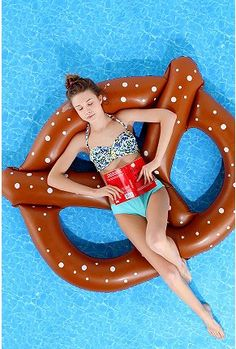 Pretzel Pool Float $18
