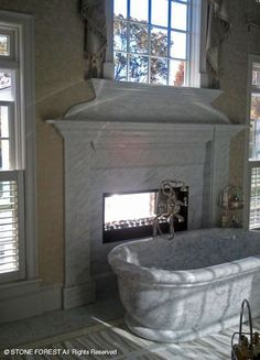 Private Residence - Roman Bathtub, Carrara marble by Stone Forest