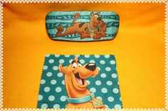 Scooby Doo Eyeglass case hard shell with cleaning by ClownLaugh