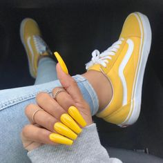 Finally got yellow on my nails! @iamreeceyroo