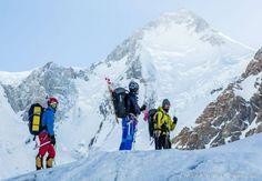Tres montañeros vascos rescatan a otro que llevaba días perdido a más de 7.000 metros