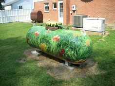Beautiful garden camouflage for the propane tank Arts And Crafts House, Diy Arts And Crafts, Beautiful Flowers Garden, Beautiful Gardens, Propane Tank Art, Farm Art, Light Crafts, Custom Vinyl, The Ranch