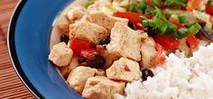 Vegan kochen ist kompliziert? Von wegen! Dieses Gemüseallerlei mit Tofu gelingt spielend leicht und ist ein wunderbares Gericht zum Ausprobieren.