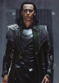 Tom Hiddleston....ohhh, he is sooo freakin hot as Loki!!
