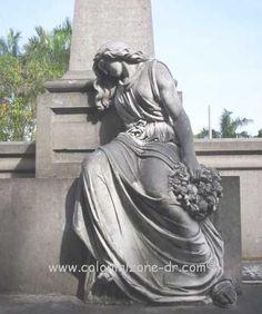 Cementerio Nacional on Avenida Independencia in Santo Domingo