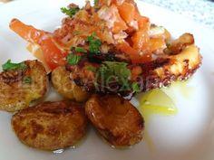 Luisa Alexandra: Polvo à Lagareiro com Batatinhas a Murro e Salada Quente de Tomate e Queijo