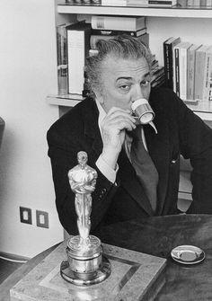 "Federico Fellini : ""Life is a combination of magic and pasta."""