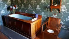 Bathroom - Martindale Hall - Mintaro