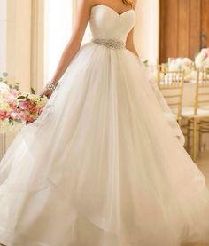 Esküvői ruha <3 :*