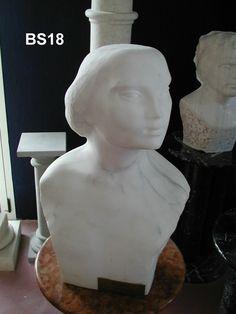 Busto in marmo - http://achillegrassi.dev.telemar.net/project/busto-di-uomo-in-marmo-bianco-carrara-venato-lucido/ - Busto di uomo inMarmo bianco Carrara venatolucido  Dimensioni:  60cm (H)