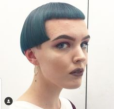 Amazing precision from Art team member on her client Caroline . Rocking the coolest of Micro bobs with kingfisher colour bath . Short Hair Cuts For Women, Short Hair Styles, Short Bangs, Bob Bangs, Super Short Bobs, Rocker Hair, Edgy Makeup, How To Style Bangs, Short Fringe