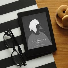 "📣 Look what Kindle Daily Deal brings today! 👉 ""The Handmaid's Tale"" by Margaret Atwood for only $2.99 Kindle, I Love Books, My Books, Online Book Club, Study Pictures, Digital Tablet, Margaret Atwood, Book Study, I Love Reading"