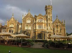 Newyorck Houss in Luxury Extreme | River Thames and the Boathouse - Picture of The Oakley Court, Windsor ...