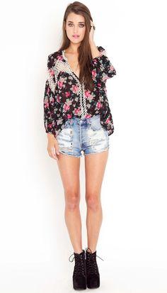 I need those shorts!!