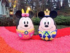 Eier lustig in Disneyland  wie Mini und Miki Maus zu Ostern