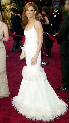 Oscars #TBT: The Dresses You Need to See All Over Again | People - Sandra Bullock in Oscar de la Renta