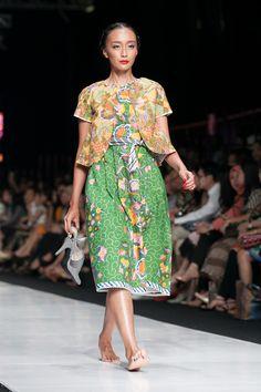 122 Best Edward Hutabarat Images Batik Fashion Batik Dress Indonesia