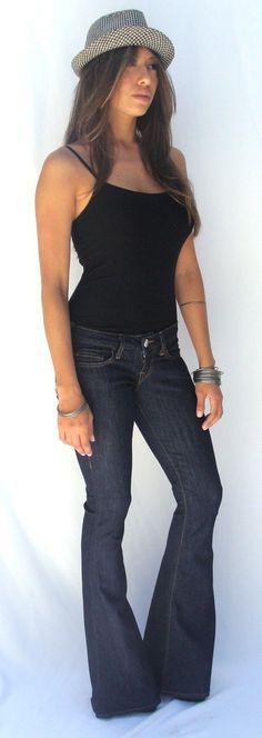 True Religion Womens Forsaken Carrie Bell Bottom Jeans