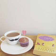 Books are always better when accompanied with coffee & cupcakes!