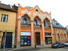 . A szecesszió (Jugendstil, art nouveau) Pávás ház Székesfehérvár… Folklore, Art Nouveau, Street View, Architecture, Architecture Illustrations