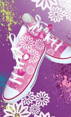 Marabu Fashion-Spray & Silhouette-Schablone http://marabu.com/k/ilf #Marabu #IloveFashion #Chucks #Textilfarbe #Spray #Flowers #Scherenschnitt
