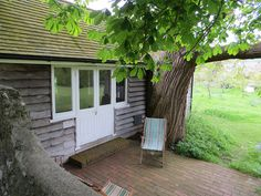 Woolf's writing Studio, Monk's House, Rodmell, Sussex by ekaysparks, via Flickr