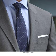 Vi hjelper deg gjerne med å finne tilbehøret som passer perfekt til deg!   http://menswear.no/tilbehor/slips #menswear_no #menswear #dress #oslo #tjuvholmen #lysaker #bogstadveien #hegdehaugsveien #dress #jobb#fest #viero #vieromilano #suit #suitup #slips #viero